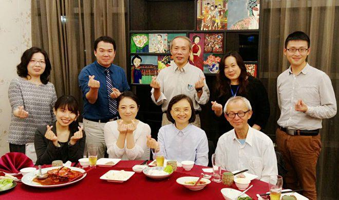台湾の病理医や細胞検査士達と。前列左より鈴木彩菜、高田奈美