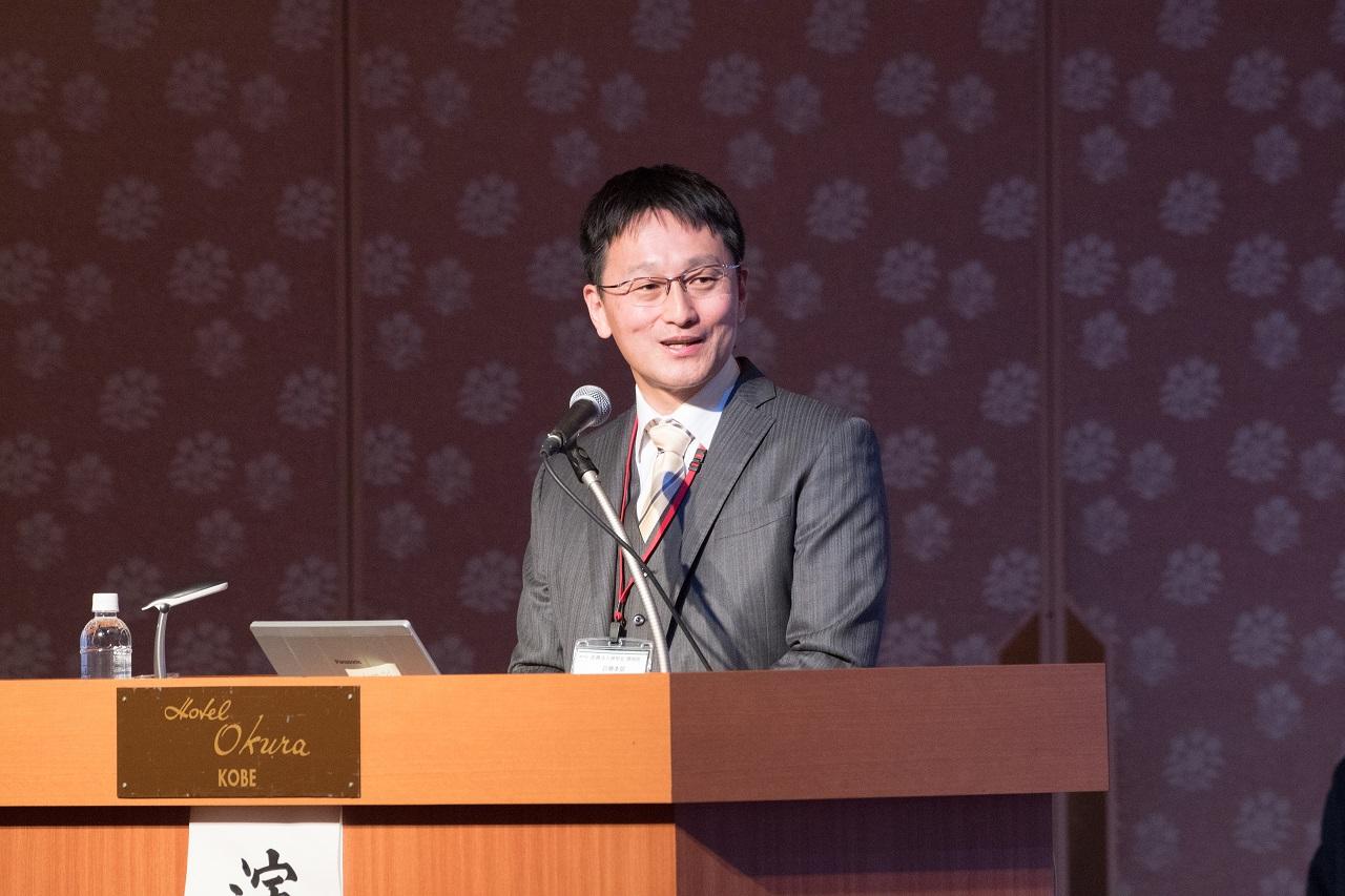 講演する舛岡裕雄医師